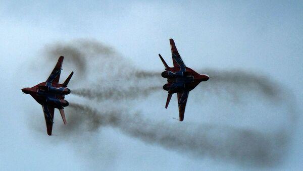 Les MiG-29 du groupe d'acrobatie aérienne Striji (archive photo) - Sputnik France