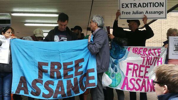 Des soutiens de Julian Assange se sont réunis face au tribunal de Southwark à Londres - Sputnik France