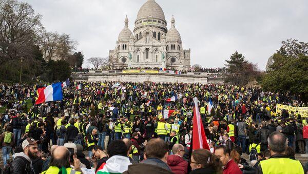 Акция протеста жёлтых жилетов в Париже - Sputnik France