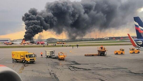 Un Sukhoi Superjet 100 a pris feu à l'aéroport de Moscou-Cheremetievo, 5 mai 2019 - Sputnik France