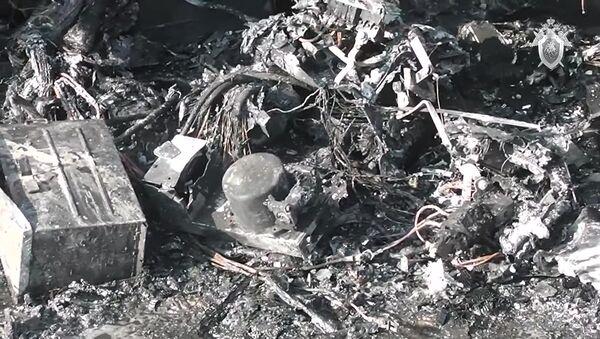 L'avion Sukhoi SuperJet 100 après son atterrissage d'urgence à l'aéroport Cheremetievo de Moscou - Sputnik France