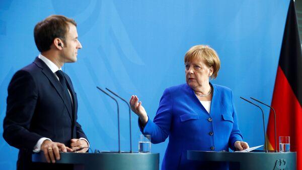 Emmanuel Macron et Angela Merkel à Berlin - Sputnik France