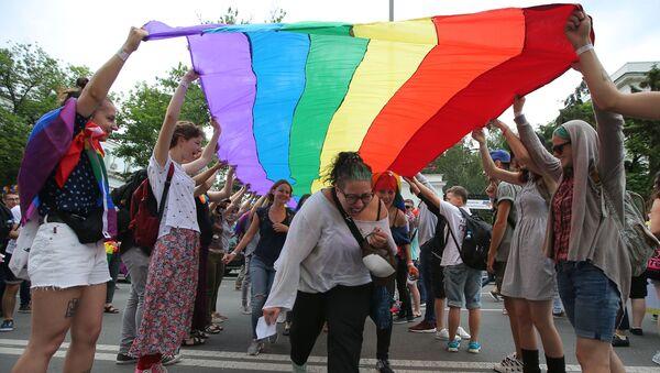 Des militants LGBT - Sputnik France