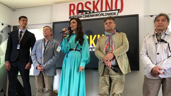 Ekaterina Mtsitouridze ordonné le clap de début du programme russe à Cannes - Sputnik France