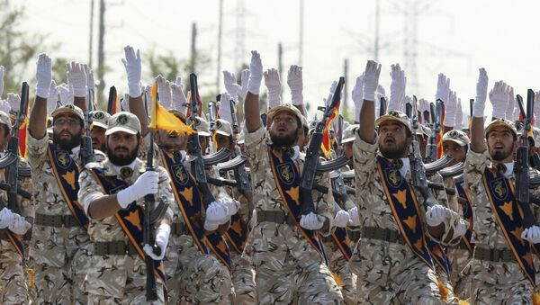 Iran's Revolutionary Guard members march during armed forces parade marking the anniversary of the start of the 1980-88 Iraq-Iran war, in front of the shrine of the late revolutionary founder Ayatollah Khomeini, just outside Tehran, Iran - Sputnik France