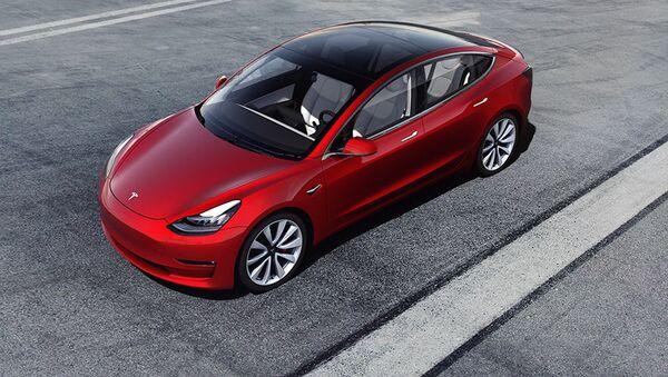 Автомобиль Tesla 3 - Sputnik France