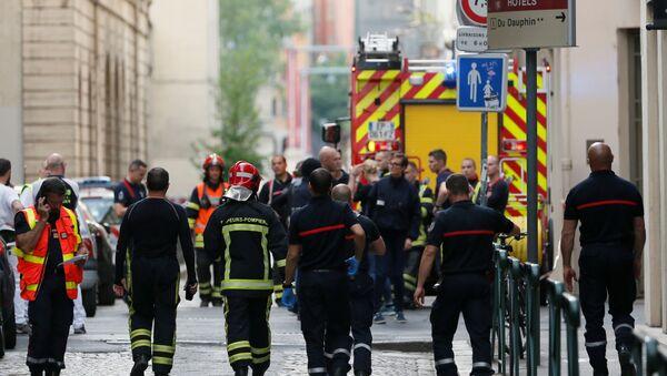 Des pompiers et des médecins près du lieu de l'explosion à Lyon (24 mai 2019) - Sputnik France
