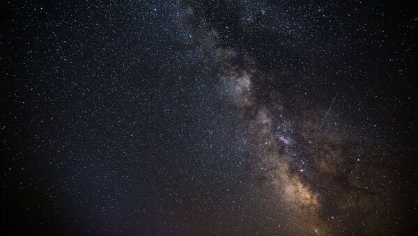 Звездное небо, наблюдаемое в Краснодарском крае во время метеорного потока Персеиды - Sputnik France