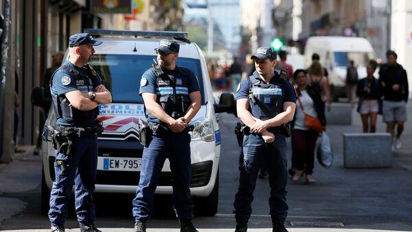 Полицейский патруль на улицах после взрыва в центре Лиона - Sputnik France