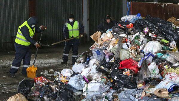 Le ramassage des déchets dans la zone arctique de Russie - Sputnik France