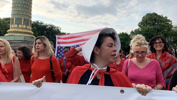 Action à Paris contre la loi avortement aux États-Unis - Sputnik France