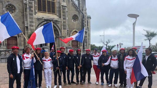 Les sportifs russes et français aux Championnats de longboard à Biarritz - Sputnik France