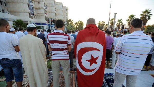 Les Tunisiens lors de la prière de Ramadan  - Sputnik France