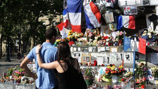 Commémoration des victimes de l'attentat de Nice à Paris  - Sputnik France