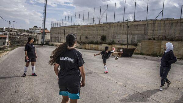 Tournoi interscolaire organisé à Ramallah pour les filles de 13 à 17 ans - Sputnik France