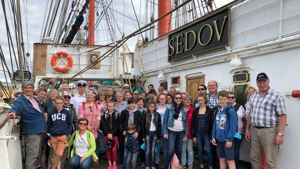 """Les habitants de Saint-Jean-de-Folleville sont accueillis à bord du """"Sedov"""" - Sputnik France"""