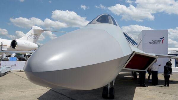 Modèle du chasseur turc de 5e génération exposé au Salon du Bourget 2019 - Sputnik France