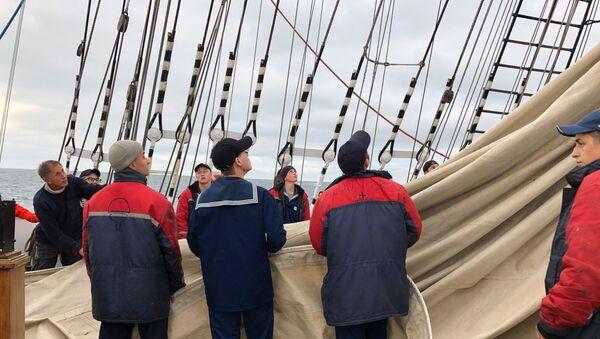 Sedov arrive dans le port de Bordeaux  - Sputnik France
