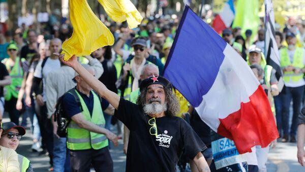 Des Gilets jaunes  - Sputnik France
