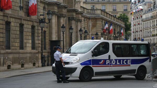 Une voiture de police à Paris - Sputnik France