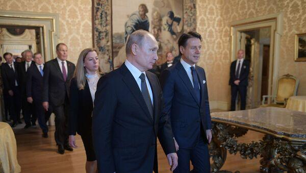 Vladimir Putin et Giuseppe Conte, le 4 juillet 2019 - Sputnik France