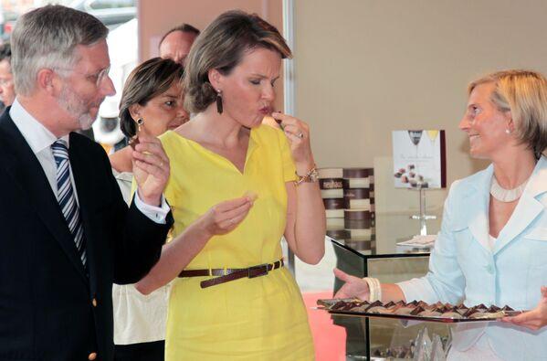 Des amateurs de chocolat célèbres s'adonnent à leur passion pour le cacao  - Sputnik France