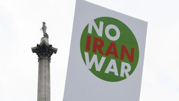 Une manif contre la guerre contre l'Iran - Sputnik France