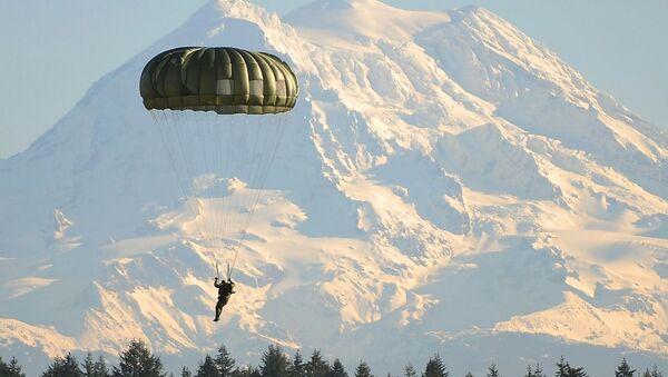 Un parachutiste - Sputnik France