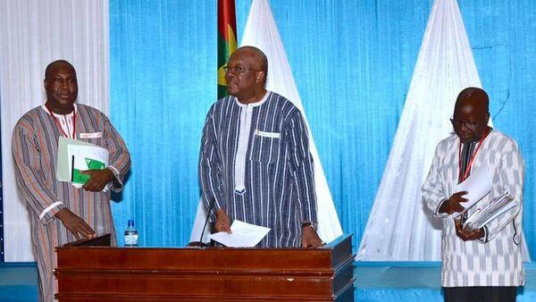 Le Président Roch Kaboré avec à sa droite Zéphirin Diabré et à sa gauche Simon Compaoré - Sputnik France