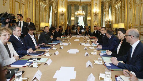 Emmanuel Macron pendant une rencontre avec le gouvernement en mai 2017  - Sputnik France
