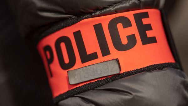 Un brassard de police  - Sputnik France