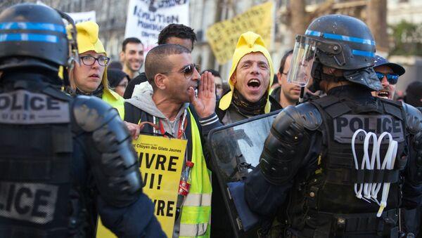 Mobilisation des Gilets jaunes à Paris - Sputnik France