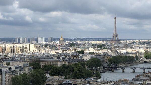 La tour Eiffel, vue aérienne de Paris - Sputnik France