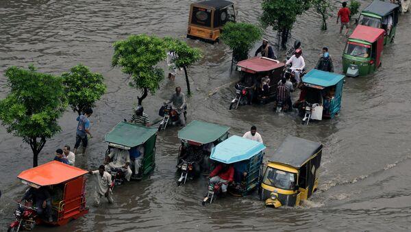 Les consèquense d'une inondation au Pakistan  - Sputnik France