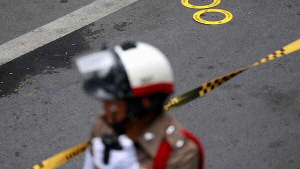 Un policier thaïlandais après une petite explosion à Bangkok - Sputnik France
