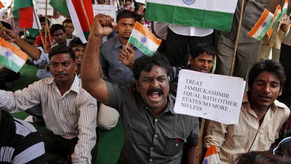 New Delhi a révoqué l'autonomie constitutionnelle du Cachemire indien - Sputnik France