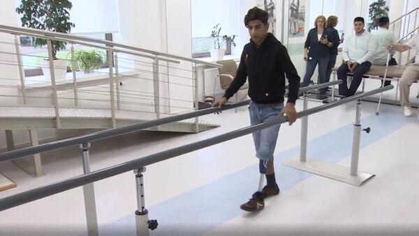 Le garçon irakien héros du concours Stenine, a reçu sa nouvelle prothèse - Sputnik France