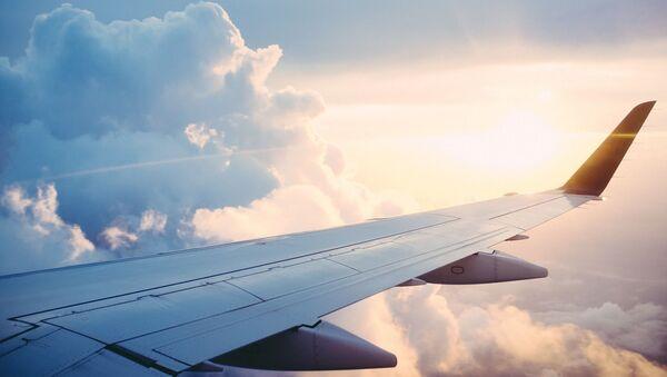 Un avion dans le ciel, image d'illustration - Sputnik France
