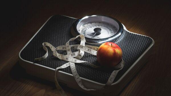 Весы лишний вес ожирение - Sputnik France