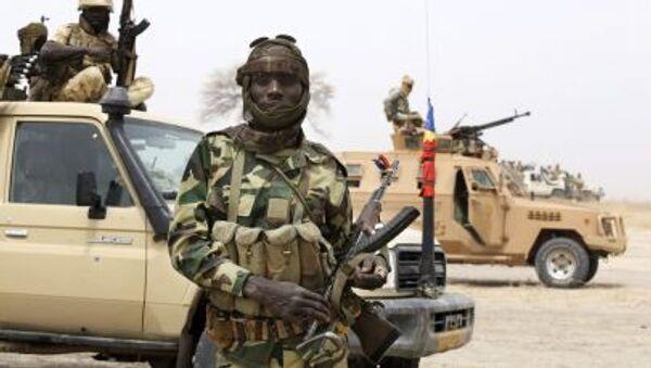 Un militaire tchadien lors d'un affrontement avec le groupe rebelle Boko Haram au Nigeria - Sputnik France