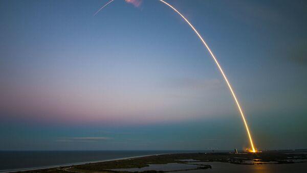 un lanceur une fusée запуск ракеты-носителя ракета - Sputnik France