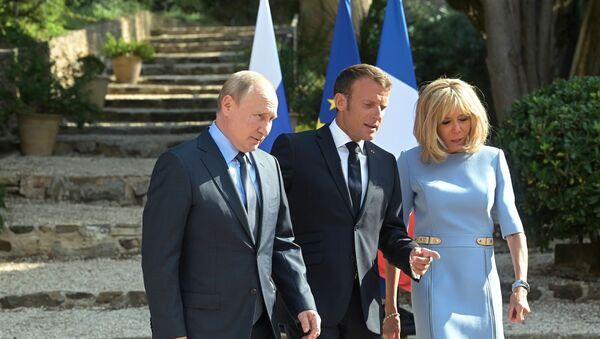 Vladimir Poutine, Emmanuel Macron et Brigitte Macron au fort de Brégançon, 19 août 2019 - Sputnik France