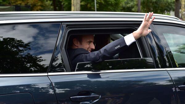 Emmanuel Macron arrive à la parade du 14 juillet 2017 à Paris (archive photo) - Sputnik France