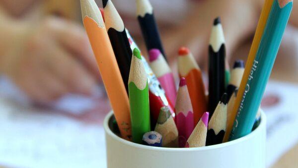 Crayons - Sputnik France