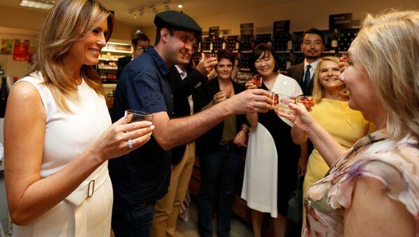Les premières dames des dirigeants des pays du G7 lors d'une dégustation de vin à Espelette - Sputnik France