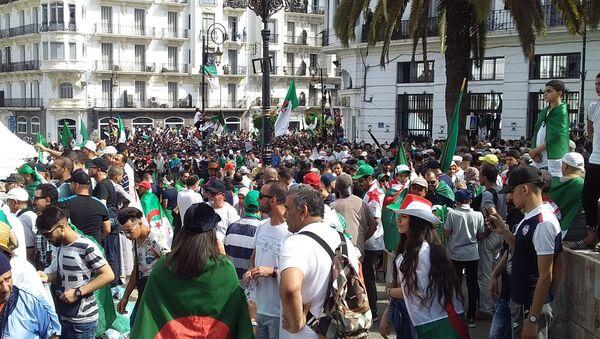 Manifestations anti-pouvoir à Alger, le 05 juillet 2019 - Sputnik France