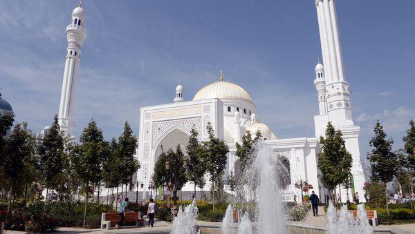 Une mosquée en Tchétchénie - Sputnik France
