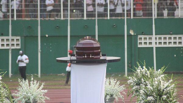 Le cercueil de DJ Arafat présenté au public du stade Félix Houphouët-Boigny - Sputnik France