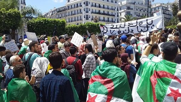 Manifestation antipouvoir des étudiants à Alger  - Sputnik France