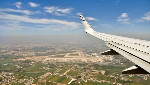 Aerial view of Ben Gurion Airport from flight LY542, operated by an El Al Boeing 737-800 fitted with winglets displaying the El Al logo, and approaching from Athens - Sputnik France